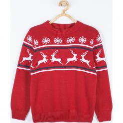 Sweter. Czerwone swetry chłopięce Merry Christmas, z nadrukiem, z bawełny. Za 79,90 zł.