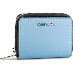 Mały Portfel Damski CALVIN KLEIN - Stitch Med Zip W/Flap K60K604857 460. Niebieskie portfele damskie Calvin Klein, ze skóry ekologicznej. Za 279,00 zł.