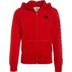 Abercrombie & Fitch CORE Bluza rozpinana red. Czerwone bluzy chłopięce rozpinane Abercrombie & Fitch, z bawełny. Za 189,00 zł.