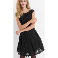 Koronkowa sukienka z brokatem. Brązowe sukienki koktajlowe marki Orsay, s, z dzianiny. Za 179,99 zł.