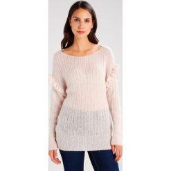 Swetry klasyczne damskie: Aaiko MARCIA MOH Sweter rose champagne