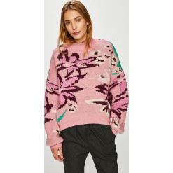 Trendyol - Sweter. Różowe swetry oversize damskie Trendyol, l, z dzianiny. Za 99,90 zł.