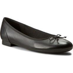 Baleriny CLARKS - Couture Bloom 261154854 Black Leather. Czarne baleriny damskie lakierowane Clarks, z materiału, na płaskiej podeszwie. Za 289,00 zł.