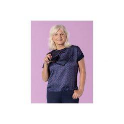 Bluzka damska casual luźna we wzory. Różowe bluzki asymetryczne TXM, casualowe. Za 19,99 zł.