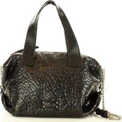 NOBO Bowlingowa torba miejska czarny. Czarne torebki klasyczne damskie marki Nobo, ze skóry. Za 199,00 zł.