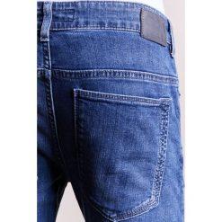 DRYKORN JAZ Jeansy Slim Fit blau. Niebieskie jeansy męskie DRYKORN. W wyprzedaży za 458,10 zł.