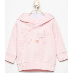 Bluza z asymetrycznym zapięciem - Różowy. Czerwone bluzy dziewczęce rozpinane marki Reserved. W wyprzedaży za 24,99 zł.