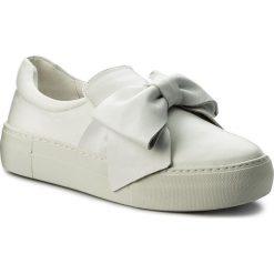 Sneakersy STEVE MADDEN - Empire Slip On Sneaker 91000845-07075-02001 White. Białe półbuty damskie skórzane Steve Madden, na koturnie. W wyprzedaży za 299,00 zł.