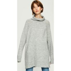 Sweter oversize z golfem - Jasny szar. Szare golfy damskie marki Sinsay, l. Za 79,99 zł.