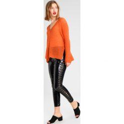 Swetry klasyczne damskie: Moves NILLY Sweter autumn maple
