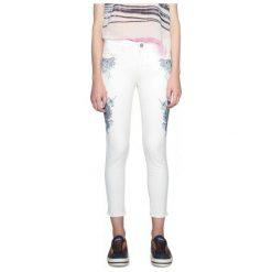Spodnie damskie: Desigual Jeansy Damskie Evens 34 Kremowy