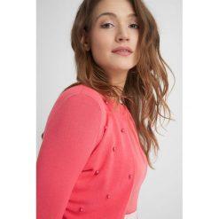 Swetry damskie: Sweter z perełkami