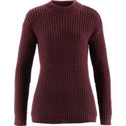 Swetry klasyczne damskie: Sweter ze stójką i strukturalnym wzorem bonprix czerwony klonowy