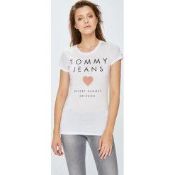 Tommy Jeans - Top. Szare topy damskie Tommy Jeans, l, z nadrukiem, z bawełny, z okrągłym kołnierzem. W wyprzedaży za 129,90 zł.