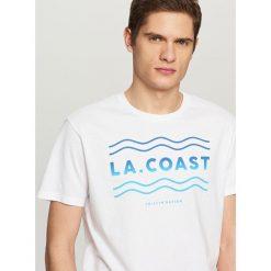 T-shirty męskie: T-shirt z wakacyjnym nadrukiem – Biały