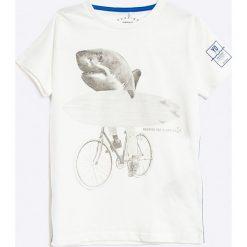 Name it - T-shirt dziecięcy 122-164 cm. Szare t-shirty chłopięce z nadrukiem Name it, z bawełny, z okrągłym kołnierzem. W wyprzedaży za 49,90 zł.