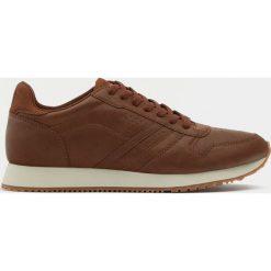 Buty męskie: Brązowe buty sportowe w stylu retro