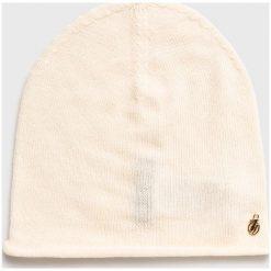 Trussardi Jeans - Czapka. Białe czapki zimowe damskie marki Trussardi Jeans, z dzianiny. Za 169,90 zł.