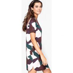 Sukienki: Sukienka moro, dekolt na plecach