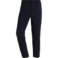Chinosy męskie: Topman HECTOR TONAL Spodnie materiałowe dark blue