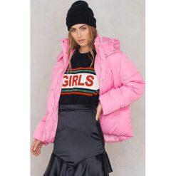 Bomberki damskie: NA-KD Watowana kurtka - Pink