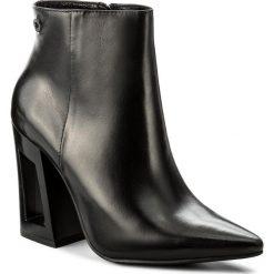 Botki CARINII - B4163 E50-000-PSK-C28. Czarne buty zimowe damskie Carinii, z materiału, na obcasie. W wyprzedaży za 249,00 zł.
