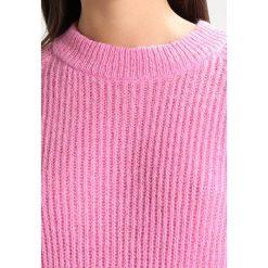 Swetry klasyczne damskie: Moves ROWENA Sweter cashmere pink