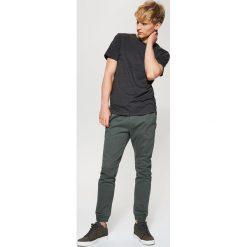 Spodnie męskie: Joggery z kieszeniami – Khaki