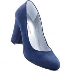 Czółenka bonprix granatowy. Niebieskie buty ślubne damskie bonprix, na obcasie. Za 37,99 zł.