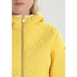 Luhta LUMI Kurtka Outdoor pale yellow. Żółte bomberki damskie Luhta, z materiału, outdoorowe. Za 379,00 zł.