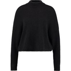 Swetry klasyczne damskie: Tiger of Sweden Jeans DOT     Sweter black