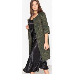 Płaszcze damskie pastelowe: Żakardowy płaszcz z rozszerzanymi rękawami