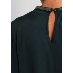 Bluzki asymetryczne: Kaffe UMBRIA BEADED BLOUSE Bluzka green graphite