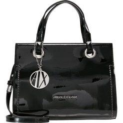 Armani Exchange Torebka black. Czarne torebki klasyczne damskie marki Armani Exchange, l, z materiału, z kapturem. Za 719,00 zł.