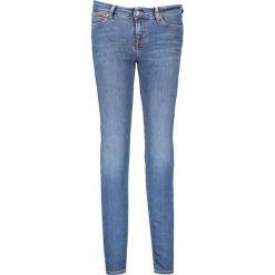 """Dżinsy """"Jasmin"""" - Slim fit - w kolorze niebieskim. Niebieskie jeansy damskie relaxed fit marki Mustang, z aplikacjami, z bawełny. W wyprzedaży za 195,95 zł."""