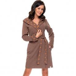 Szlafrok w kolorze brązowym. Brązowe szlafroki kimona damskie Doctor Nap, xl, w paski, z tkaniny. W wyprzedaży za 112,95 zł.