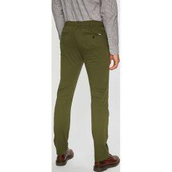 Levi's - Spodnie 502. Brązowe chinosy męskie marki Levi's®, z bawełny. Za 329,90 zł.