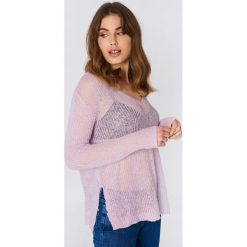 Moves Sweter Nilly - Purple. Fioletowe swetry klasyczne damskie Moves, z dzianiny. W wyprzedaży za 48,59 zł.
