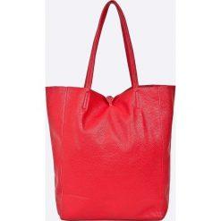 Answear - Torebka skórzana. Czerwone torebki klasyczne damskie ANSWEAR, z materiału, duże. W wyprzedaży za 169,90 zł.