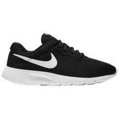 BUTY NIKE TANJUN 818383 011. Czarne buciki niemowlęce marki Nike. Za 135,00 zł.