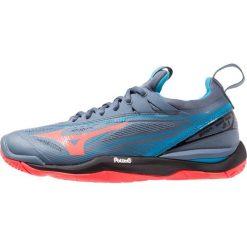 Mizuno WAVE MIRAGE 2.1 Obuwie do piłki ręcznej blue mirage/fiery coral/black. Czerwone buty do fitnessu damskie marki Mizuno. Za 569,00 zł.