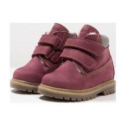 Ocra Botki airone rubino. Czerwone buty zimowe damskie Ocra, z futra. W wyprzedaży za 383,20 zł.