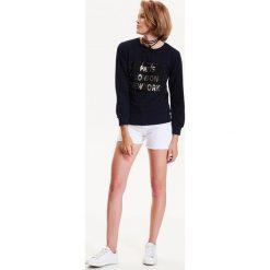 Bluzy rozpinane damskie: BLUZA NIEROZPINANA DAMSKA Z APLIKACJĄ
