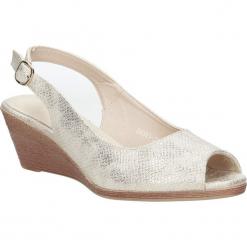 Beżowe sandały błyszczące na koturnie Sergio Leone SK811-23S. Czarne sandały damskie marki Sergio Leone. Za 69,99 zł.