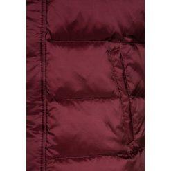 GANT THE PUFFER VEST Kamizelka bordeaux. Czerwone kamizelki dziewczęce marki Reserved, z kapturem. Za 929,00 zł.