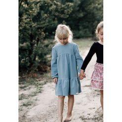 Szaroniebieska sukienka oversize. Niebieskie sukienki dziewczęce marki Pakamera, z dresówki. Za 94,00 zł.