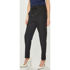 Pepe Jeans - Spodnie Aurelie. Szare proste jeansy damskie Pepe Jeans. Za 339,90 zł.
