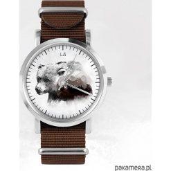 Zegarek - Niedźwiedź - brązowy, nato. Brązowe zegarki męskie N/A. Za 111,00 zł.