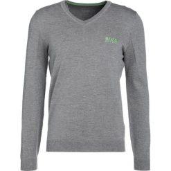 BOSS ATHLEISURE VEEH PRO Sweter light/pastel grey. Niebieskie swetry klasyczne męskie marki BOSS Athleisure, m. W wyprzedaży za 440,30 zł.