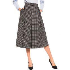 Czarno biała spódnica midi BIALCON. Białe spódniczki marki BIALCON, midi. W wyprzedaży za 135,00 zł.
